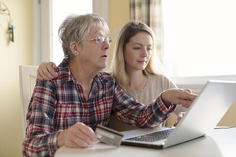 5 Tips for Helping Aging Parents with Finances